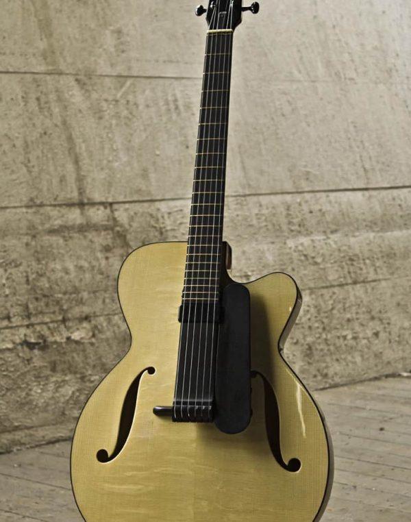 Oscar - a fine archtop guitar