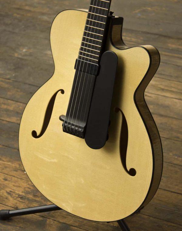oscar - fine archtop guitar