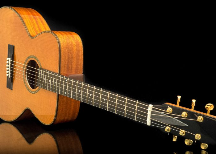 Handmade acoustic guitars – is cedar and mahogany the perfect combination?